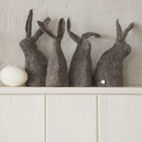 Hut_Up_Felt_Bunnies_200