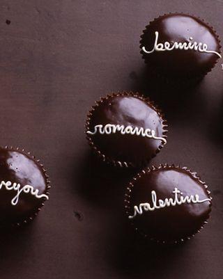 La104524_0209_val_cupcakes_xl