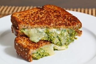 Asparagus_Pesto_Grilled_Cheese_Sandwich_500